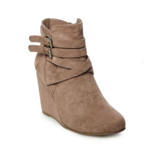 5e4051ce884 madden NYC Viceroy Women's Ankle Boots Shoes   Taupe Platform ...